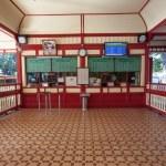 Hua Hin train station booking office, Thailand — Stock Photo
