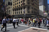 SYDNEY, AUSTRALIA-December 19th 2913: A busy lunctime on George  — Stock Photo