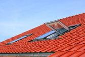 屋根のウィンドウ — ストック写真