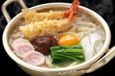 Steaming nabeyaki udon, japanese hot pot noodles — Stock Photo