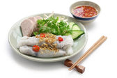 Banh cuon, vietnamese steamed rice noodle roll — Stock Photo