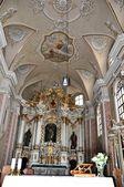 Старый церковный интерьер — Стоковое фото