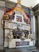 Michelangelo's Tomb at Basilica of Santa Croce. Florence, Italy — Stock Photo