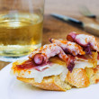 Typical spanish octopus pincho (Galician octopus style) — Stock Photo
