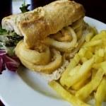 Calamari sandwich. — Stock Photo #35287585