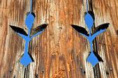 Fondo de madera con motivos tallados — Foto de Stock