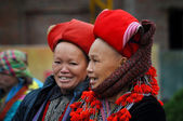 Red Dao ethnic minority woman with turban in Sapa, Vietnam — Stock Photo