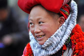 Red Dao ethnic minority woman with turban in Sapa, Vietnam — Stock Photo