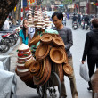 Street vendors in Hanoi selling their goods. Hanoi, Vietnam — Stock Photo