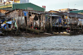 Shack home in the slum area of Mekong delta, Vietnam — Stock Photo