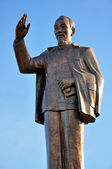 The statue of Ho Chi Minh the Vietnamese communist revolutionary leader — Stock Photo
