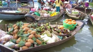 The world biggest floating market on Mekong river, Vietnam — Stock Video