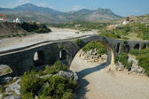 Mes Bridge (Albanian: Ura e Mesit) near Shkoder in Albania — Stockfoto