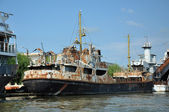 Old abandoned ship standing in Sulina port, Romania — Stock Photo