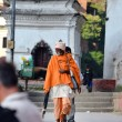 Foto Stock: Sadhu mat holy Hindu temple of Pashupatinath. Nepal