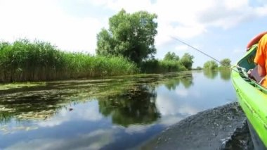 Fishing from a boat in the Danube delta, Romania — Stock Video