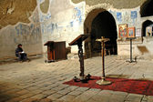 Eremite praying in David Gareja monastery, Georgia — Stock Photo