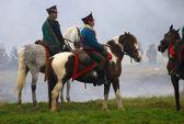 Soldados a caballo en recreacionismo histórico borodino 2012 — Foto de Stock