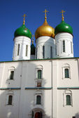 Old beautiful white church in Kremlin in Kolomna, Russia — Stock Photo