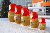 Matryoshka. New Year decoration in the park. — Stock Photo