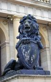 Sculpture du lion noir — Photo