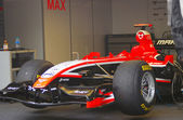 Marussia f1 sport auto in moskou city racing. — Stockfoto