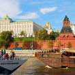 Two ships sail by the Moscow Kremlin — Stock Photo