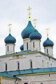 Iglesia de elías el profeta en la ciudad de yaroslavl, rusia. — Foto de Stock