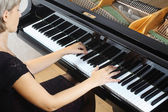 Piano playing pianist player. — Stock Photo