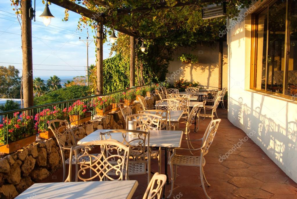 Akdeniz avrupa tarzı cafe bistro — stok foto © ronyzmbow #18054561