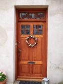 Decorative classical wooden door — Stockfoto