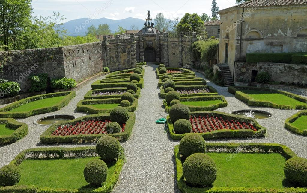 Jardin l 39 italienne l gante de villa torrigiani pr s de for Jardin italien