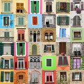 Parede abstrata feita de belas janelas velhas da Itália — Fotografia Stock