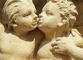 две целуя ангельские фигуры — Стоковое фото