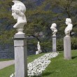 Marble classic statues in italian garden of Villa Melzi in Bell — Stock Photo