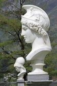 Bust of Athena in italian garden of Villa Melzi in Bellagio, Ita — Stock Photo