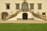 Entrance with double stairway to the splendid VILLA DI MONSOGLI — Stock Photo