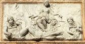 Relevo representando veneza como justiça da loggetta por jorge — Foto Stock