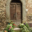 Antique doorway to the tuscan house, Anghiari, Italy  — Stock Photo