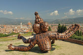 FLORENCE-SEPTEMBER 13 :The sculpture entitled Three Heads Six Ar — Foto Stock