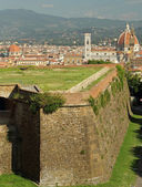 Landscape of Florence with walls of Belvedere Fort — Stock Photo