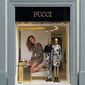 FLORENCE - March 21: Emilio Pucci boutique in Florence — Stock Photo
