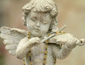 Little angel playing violin — Stock Photo