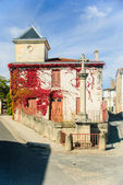 French village - typical house and road chapel in region Medoc, France — Stock Photo