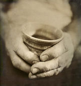 Man's Worn Hands Holding Cracked Japanese Ceramic Cup — Stock Photo
