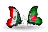 Dos mariposas con banderas de méxico y bangladesh en las alas — Foto de Stock