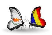 Zwei schmetterlinge mit flaggen der beziehungen zypern und tschad, rumänien — Stockfoto
