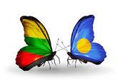 Fjärilar med flaggor i litauen och palau — Stockfoto