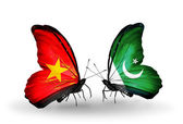 Two butterflies with flags  of  Vietnam and Pakistan — Stock Photo