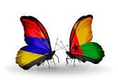 Kelebekler ile Ermenistan ve Gine bissau kanatlar üzerinde işaretler — Stok fotoğraf